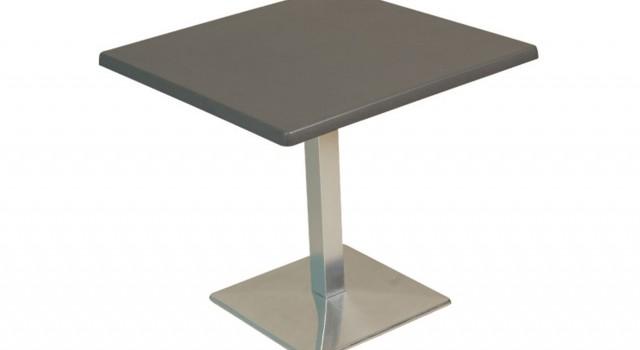 Table-socle-alu-carre
